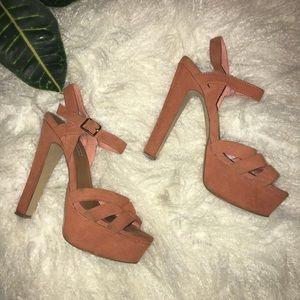 •Steve Madden• Platform Heels